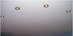 Как выбрать натяжные потолки в квартиру