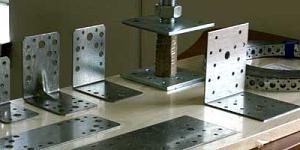 Производство и преимущества стальных крепежных уголков